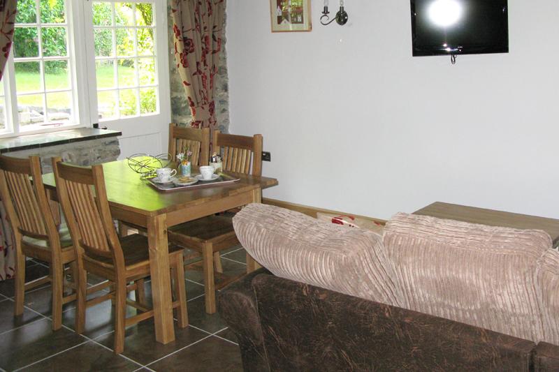 Buttermilk Cottage Dining Area