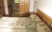 Churn Holiday Cottage Ensuite Double Bedroom