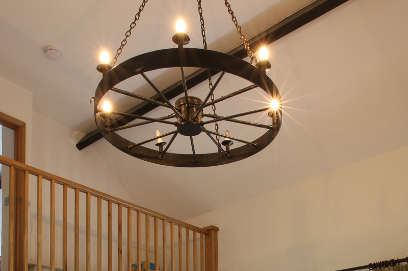 Rickyard Cottage Cartwheel Light