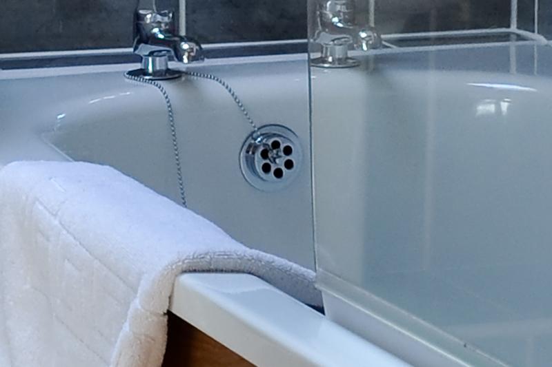 Stable Cottage Bathroom